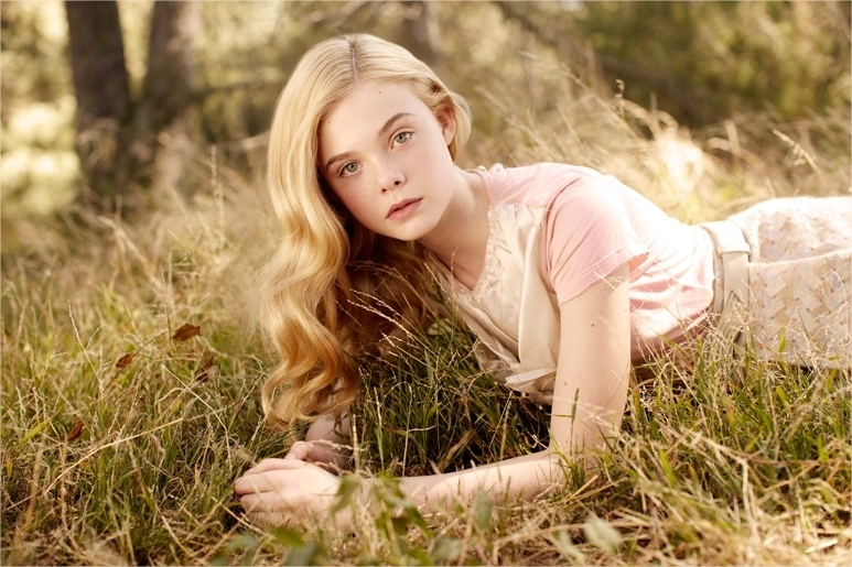 Elizabeth C. Maquiavelo # The Daughter of the Moon # Elle-fanning-elle
