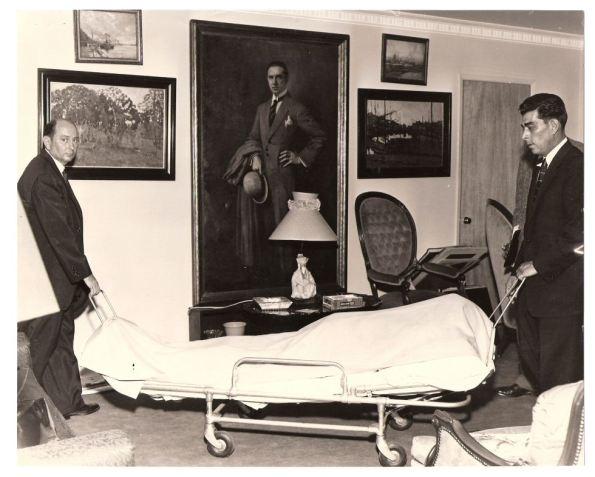 undertakers-removing-belas-body