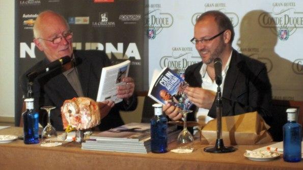 Colin Arthur y Víctor Matellano durante el acto de presentación de la obra.