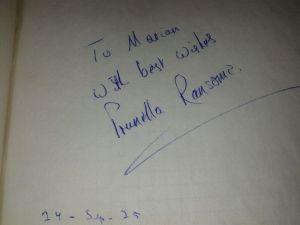 Y la firma de la protagonista, la desaparecida Prunella Ransome.