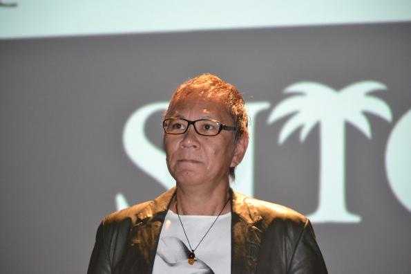 Takeshi Miike, protagonista del homenaje del festival, no paró de arriba abajo repartiendo autógrafos, fotografiándose con quien lo deseó y presentado todas sus películas.
