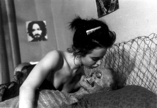 Beatrice Manowski en compañía.