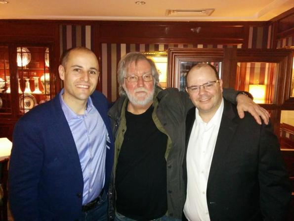 Sergio Molina y José Luis Alemán junto a Tobe Hooper, uno de los invitados ilustres de Nocturna 2014, donde fue obsequiado con el galardón Maestros del Fantástico, junto a Jaume Balagueró y Dario Argento.