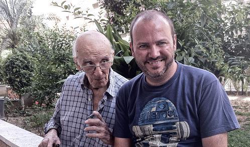 Larraz, poco antes de su fallecimiento, junto a Víctor Matellano (Foto: Abadía de Berzano)