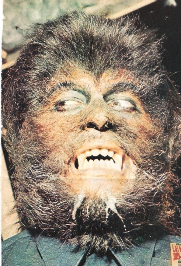 Otra fotografía de la misma sesión de maquillaje para Dr. Jekyll y el hombre lobo.