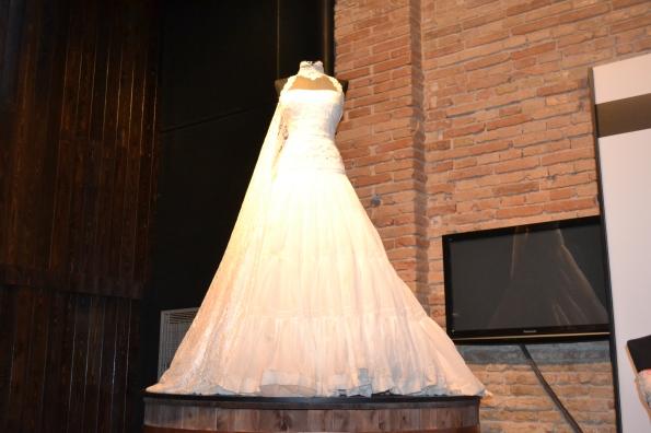 Como presumo de que mi mujer se hizo el traje en el mismo lugar que Leticia Dolera para [REC]3. Aquí el traje  impoluto...