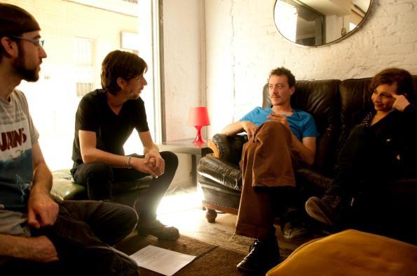 Colmenar preparando el rodaje con sus actores, entre ellos Jordi Vilches y