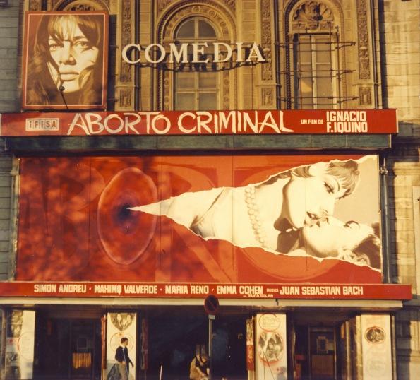 Espectacular fachada del barcelonés cine Comedia