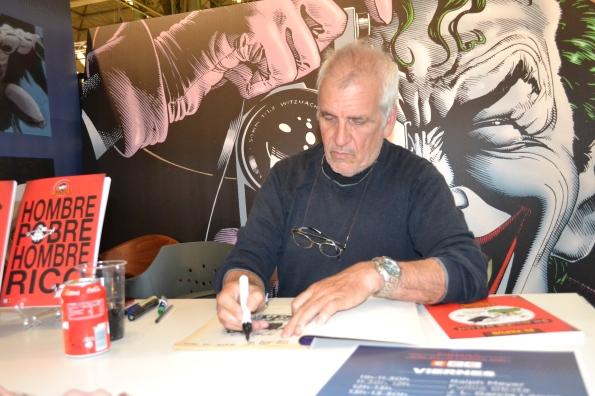 Ja, dibujante legendario de El Papus dedicando algunas de las reediciones de sus obras.