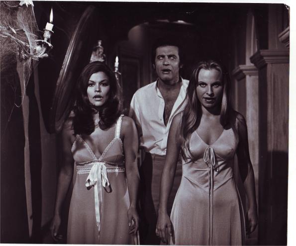 ¡Todos vampirizados!Con Mirta Miller e Ingrid Garbo en El gran amor del Conde Drácula