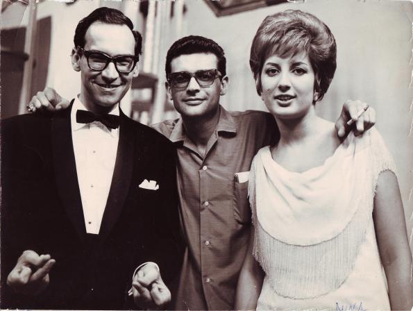 Con el showman televisivo Renny Ottolina y la cantante Mina. Precisamente Renny Ottolina es padre de la actriz Rina Ottolina, que interpretó junto a Naschy, La venganza de la momia (1973) de Carlos Aured.
