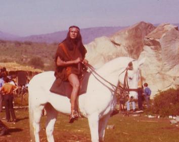 Como el indio Lautaro en La Araucana.
