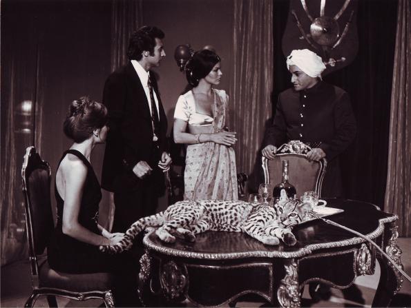 En La rebelión de las muertas, junto a Romy, Mirta Miller y Paul Naschy, que interpreta el doble papel de Krisna / Kantaka.