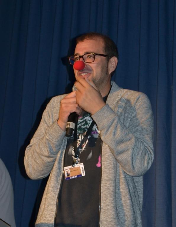 El simpático Paco Cabezas presentando su película, Mr. Right