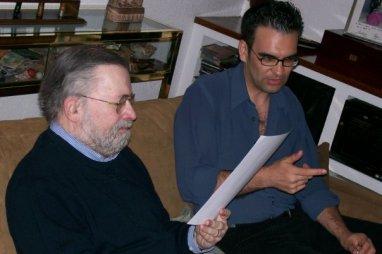 Gustavo junto a Narciso Ibáñez Serrador durante la entrevista que le realizó para el documental 'Nadie inquietó más'