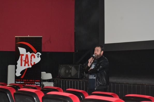 David Jordan presentando las sesiones de Cardoterror