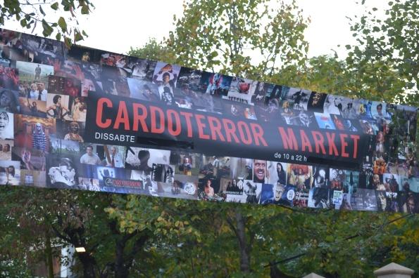 Por cierto, también hay mercado de películas, merchandising, libros de cine...
