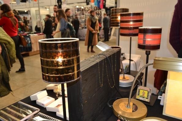 ... y lámparas hechas con el material con el que se hacen los sueños.