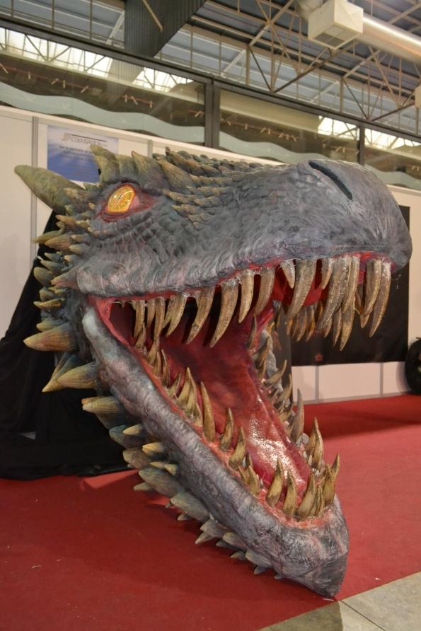 ... y horribles dragones.